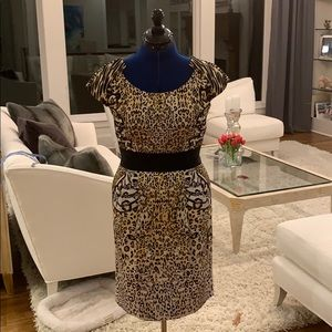 Animal print dress! With pockets